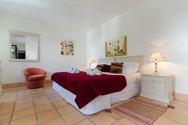 Bedroom in Pine Cliffs Apartment