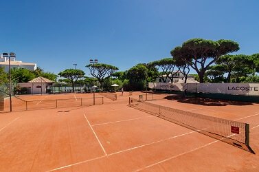 Tennis court at Pine Cliffs resort